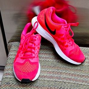 Nike Neutral Ride Running Athletic Shoe